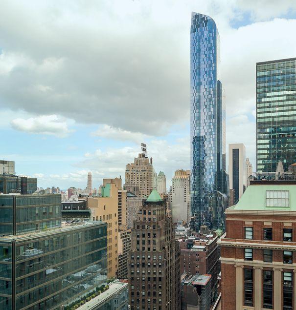 Primeiros 60 pavimentos do edifício One 57 foram ocupados pelo hotel Park Hyatt New York, e os 15 restantes por apartamentos de dimensões variadas, com vistas para o Central Park