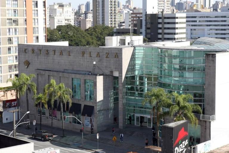 Shopping inaugurado em novembro de 1996 tem 120 lojas e cinco salas de cinema.