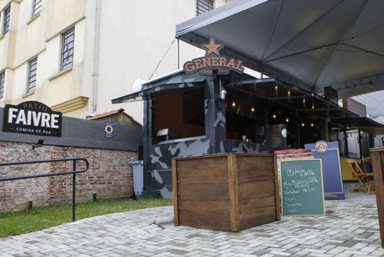 14-02-2018 - Pátio Dr Faivre é um espaço alternativo de alimentação no centro de Curitiba